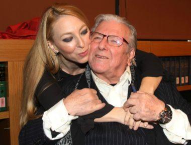 Πατέρας στα 84 θα γινει ο Κώστας Βουτσάς. Έγκυος η σύντροφός του Αλίκη Κατσαβου