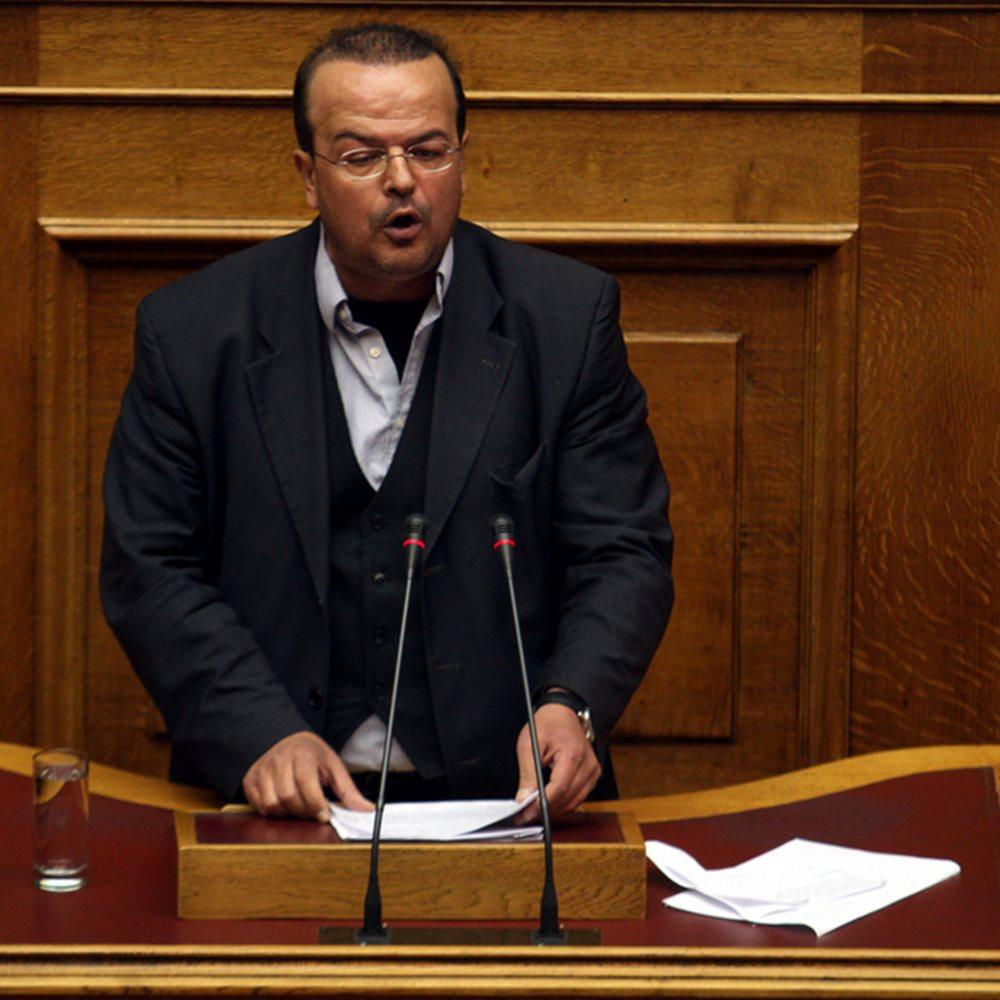 Βουλευτής του ΣΥΡΙΖΑ πρότεινε δίδακτρα στα δημόσια σχολεία
