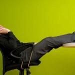 To ήξερες πως η βαρεμάρα μπορεί να μας βοηθήσει να αδυνατίσουμε;