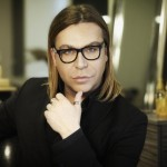 O Τρύφωνας Σαμαράς στο «ΟΛΑ Πρώτη Φορά» κατονομάζει τις Ελληνίδες celebrities, που αρνήθηκαν να ποζάρουν στο ημερολόγιο του