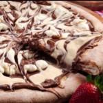 Γλυκιά πίτσα με σοκολάτα
