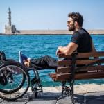 Ο Αντώνης Τσαπατάκης απαντάει στις δηλώσεις του Λάκη Λαζόπουλου για τα άτομα με αναπηρία.