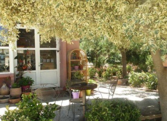 Χωριό της Κρήτης σου προσφέρει δουλειά και στέγη αρκεί να μείνεις εκεί