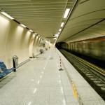 Άνδρας έπεσε στις γραμμές του μετρό και σκοτώθηκε