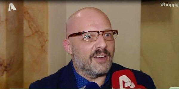 Η γκάφα του Νίκου Μουτσινά στις τηλεοπτικές κάμερες και η αποχώρησή του