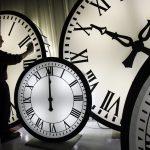 Αλλαγή ώρας: Μία ώρα πίσω οι δείκτες των ρολογιών στις 27 Οκτωβρίου