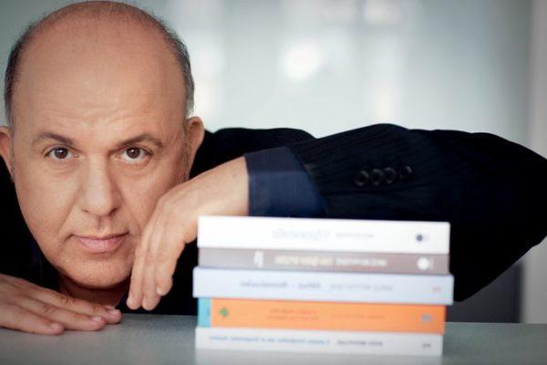 Νίκος Μουρατίδης: Πληρώναμε τις υπόλοιπες χώρες για να μας δίνουν 12άρια στην Eurovision