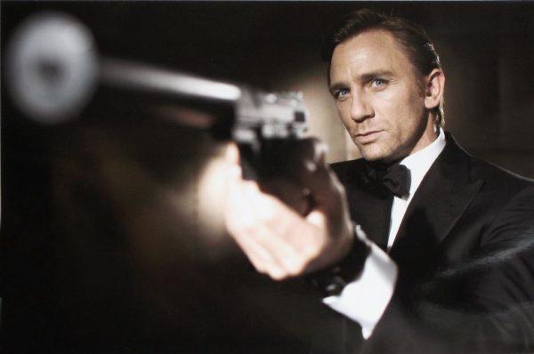 Ο Daniel Craig φεύγει ο Tom Hiddleston έρχεται