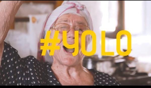 Η γιαγιά και ο παππούς έχουν γίνει viral και σαρώνουν… στο διαδίκτυο