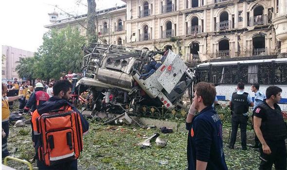 Πανικός στην Κωνσταντινούπολη: Έκρηξη με τουλάχιστον 11 νεκρούς στο κέντρο της Πόλης