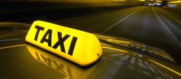Γερμανός τουρίστας σε ταξιτζή: Δεν πληρώνω, χρωστάτε στη χώρα μου