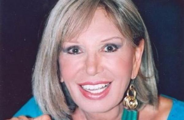 Η Ρίκα Διαλυνά εγκατέλειψε την πολυτελή κατοικία που έμενε με τον αείμνηστο σύζυγό της, Νίκο Χρυσικόπουλο