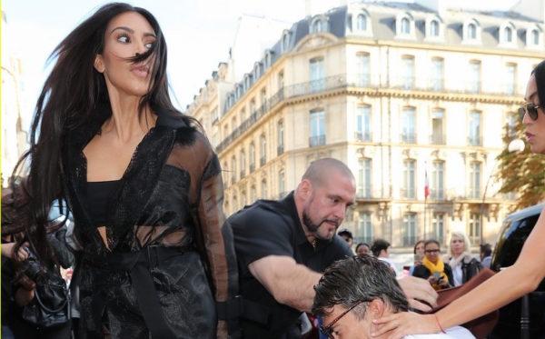 Με μήνυση απειλεί η Kim Kardashian για το «φιλί των οπισθίων»