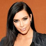 Κυκλοφόρησε σε στολή για τις απόκριες η Kim Kardashian ως θύμα ληστείας