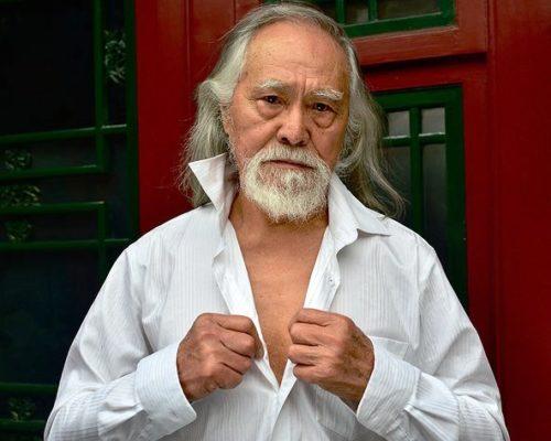 Ο 80χρονος παππούς που τρελαίνει την πασαρέλα