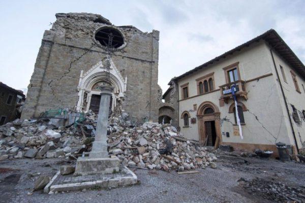 Νέος πολύ ισχυρός σεισμός στην κεντρική Ιταλία