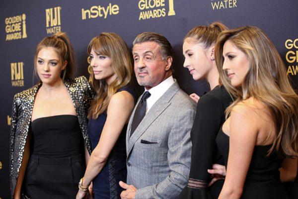 Βράβευση για τις τρεις κούκλες κόρες του Sylvester Stallone