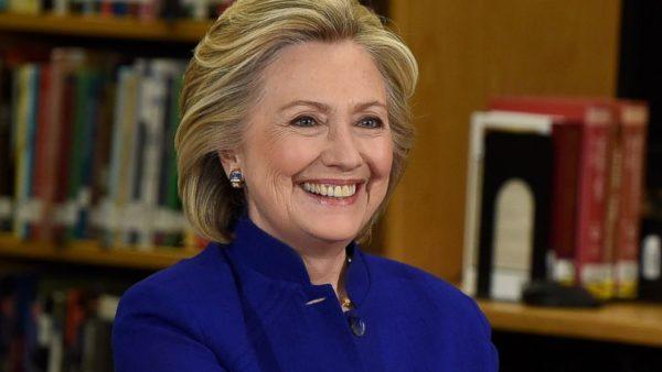 Η Hillary Clinton έγραψε το πρώτο της μυθιστόρημα