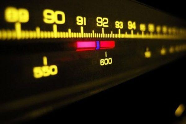 Κοντοζυγώνει ο διαγωνισμός για τις ραδιοφωνικές άδειες