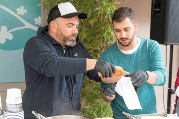 Ο Βασίλης Καλλίδης μαγείρεψε στα Χανιά για καλό σκοπό