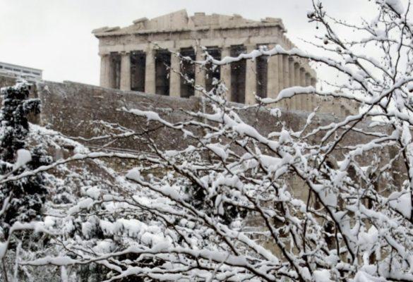 Η Αθήνα στα λευκά! Bίντεο και φωτογραφίες των Ελλήνων celebrities στα χιόνια