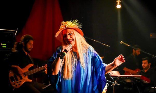 Έλντα Πανοπούλου: «Όλοι αυτοί που τον κατακρίνουν, ας βγουν πάνω στη σκηνή και να κρατήσουν εκείνοι το κοινό»