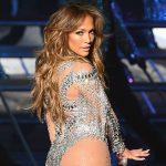 Jennifer Lopez: Μου είπε επιτακτικά να βγάλω το πουκάμισό μου