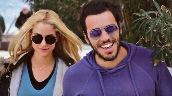 Δούκισσα Νομικού - Δημήτρης Θεοδωρίδης: H αναγγελία γάμου τους σε εφημερίδα