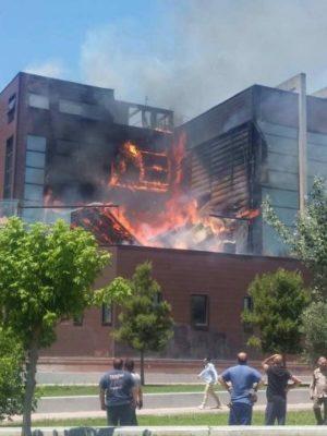 Φωτιά ξέσπασε σε νυχτερινό κέντρο της Αθήνας