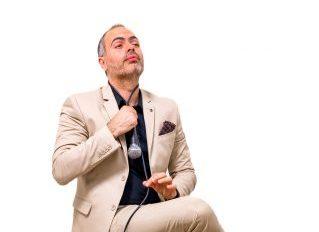 Πόσο μόνος είναι αυτός ο Μάκης στο Athens Comedy Festival