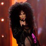 Η Cher κάνει κάτι που λίγοι εικοσάχρονοι καταφέρνουν