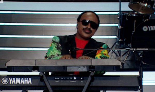 Συγκίνησε το Your Face Sounds Familiar ο Ησαΐας Ματιάμα ως Stevie Wonder
