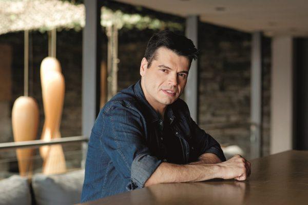 Συνελήφθη ο τραγουδιστής Γιώργος Δασκαλάκης