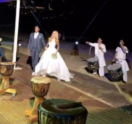Ο χορός της Δούκισσας Νομικού και του Δημήτρη Θεοδωρίδη στην δεξίωση του γάμου