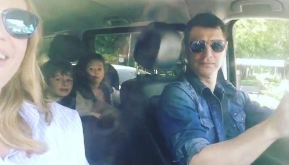 Η οικογένεια Ρουβά τραγουδά για την Παγκόσμια Μέρα Μουσικής
