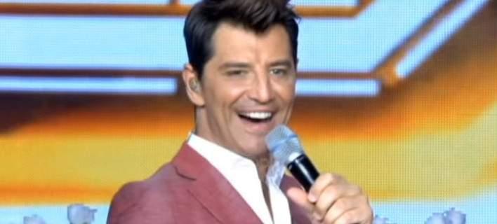 Η έκπληξη στην έναρξη του X-Factor με αφορμή το γάμο του Σάκη Ρουβά τη Δευτέρα