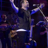 Ο Κώστας Μακεδόνας μάγεψε το κοινό στο Βεάκειο