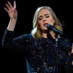 Adele: Τα λεφτά που χάνει από τις ακυρώσεις συναυλιών
