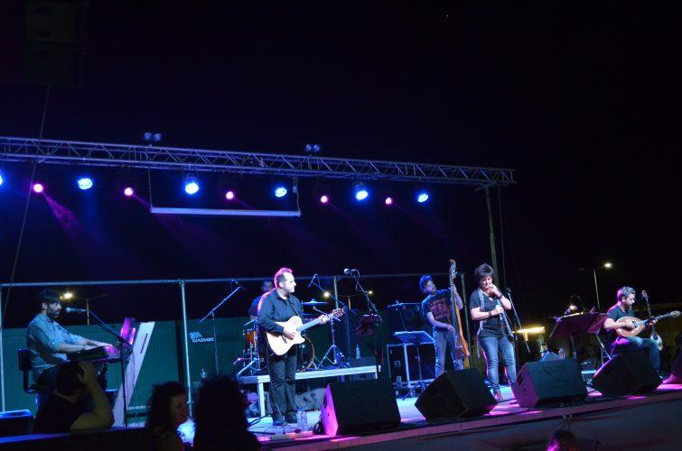 Νύχτα μαγική με τη Φωτεινή Βελεσιώτου στο φεστιβάλ «Λιπάσματα 2017 – Φεστιβάλ στη θάλασσα»