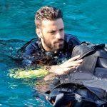 Πρώτες βουτιές για τον Κωνσταντίνο Αργυρό: Δείτε τον με μαγιό στη Παραλία