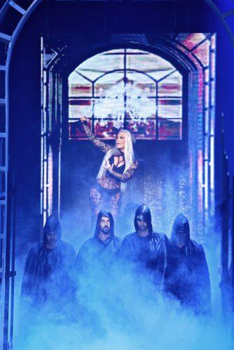 Η Naya εντυπωσιάζει για 2η χρονιά στη σκηνή των MAD Video Music Awards!