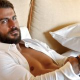 """Γιώργος Αγγελόπουλος: Έτοιμος να αντιμετωπίσει τις τολμηρές ερωτικές σκηνές στο """"Τατουάζ""""!"""