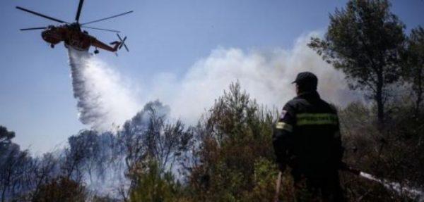 Ελικόπτερο της Πυροσβεστικής εντόπισε εμπρηστές στη Ζάκυνθο