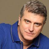 Ο Βλαδίμηρος Κυριακίδης αποκαλύπτει πως αντέδρασαν οι γονείς του όταν τους είπε ότι θα γίνει ηθοποιός!