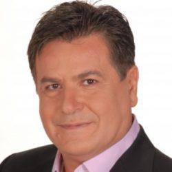 Γιάννης Καπετάνιος: «Τα τελευταία χρόνια έχει κόψει η τηλεόραση και οι προτάσεις. Ξέρω τον λόγο»