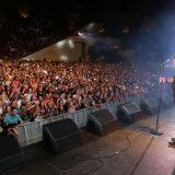 «Λύγισε» και έφυγε από τη σκηνή ο Βασίλης Καρράς στη συναυλία για τα 40 χρόνια της καριέρας του