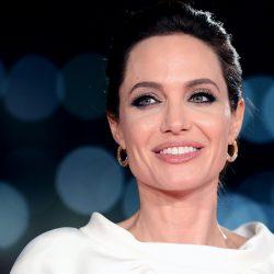 Δημόσια καταγγελία από την Angelina Jolie για σεξουαλική βία