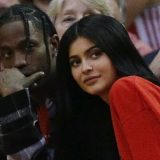 Το tweet του Travis Scott που πυροδότησε τις φήμες για την εγκυμοσύνη της Kylie Jenner