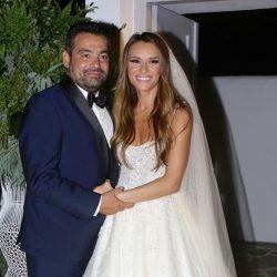 Η Ελένη Τσολάκη μιλάει για το πρώτο παιδί μετά τον γάμο της με τον Παύλο Πετρουλάκη