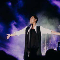 Ο κορυφαίος star Σάκης Ρουβάς απογείωσε το Breeze Summer Club